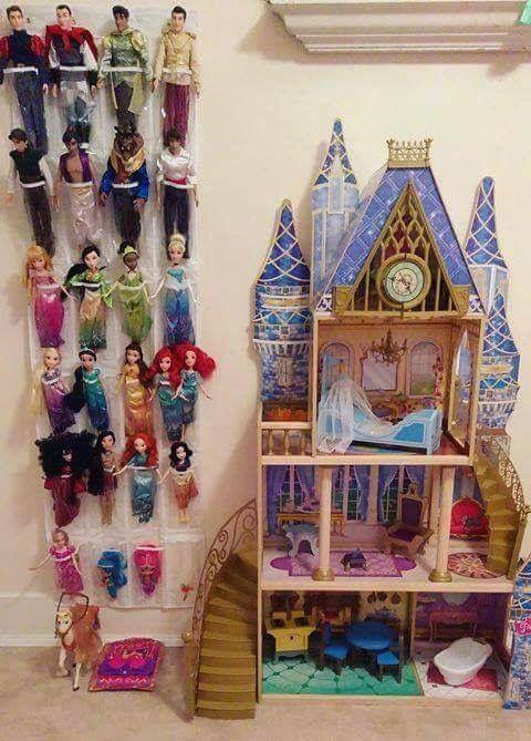 storing barbie dolls kids rooms pinterest kinderkamer slaapkamer and speelkamer kinderen