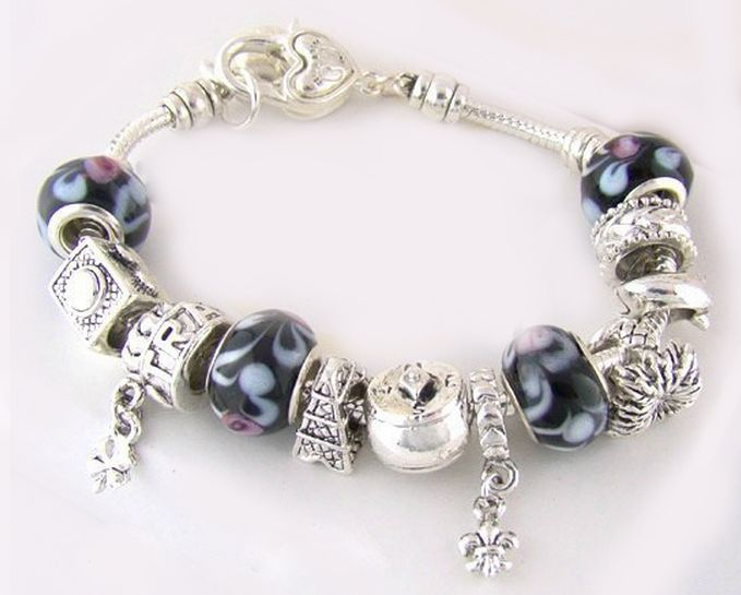 Charm Chamilia bracelet