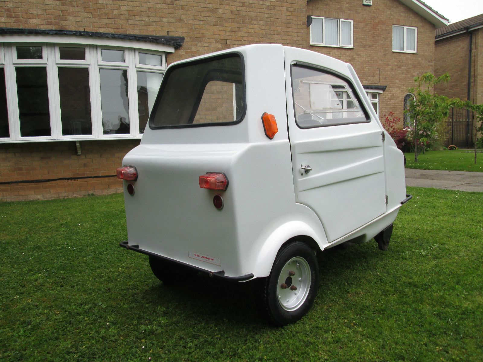 MINI COMTESSE MICROCAR BUBBLECAR TRIKE MOPED PEEL TINY BARN FIND RARE MICRO