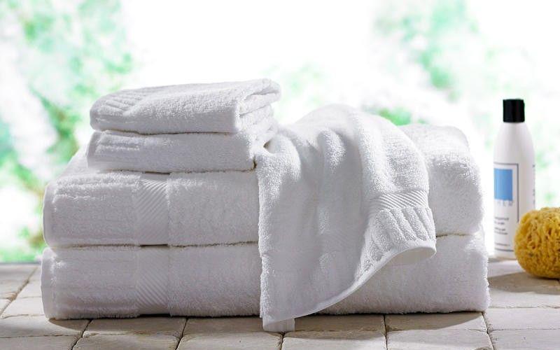 الفوط الصحية المصنوعة من القطن الطبيعي تضمن صحة المرأة و تلبي حاجتها خاصة في فترة الحيض و النفاس و يوجد أنواع عدي Towel Turkish Bath Towels Fluffy Bath Towels