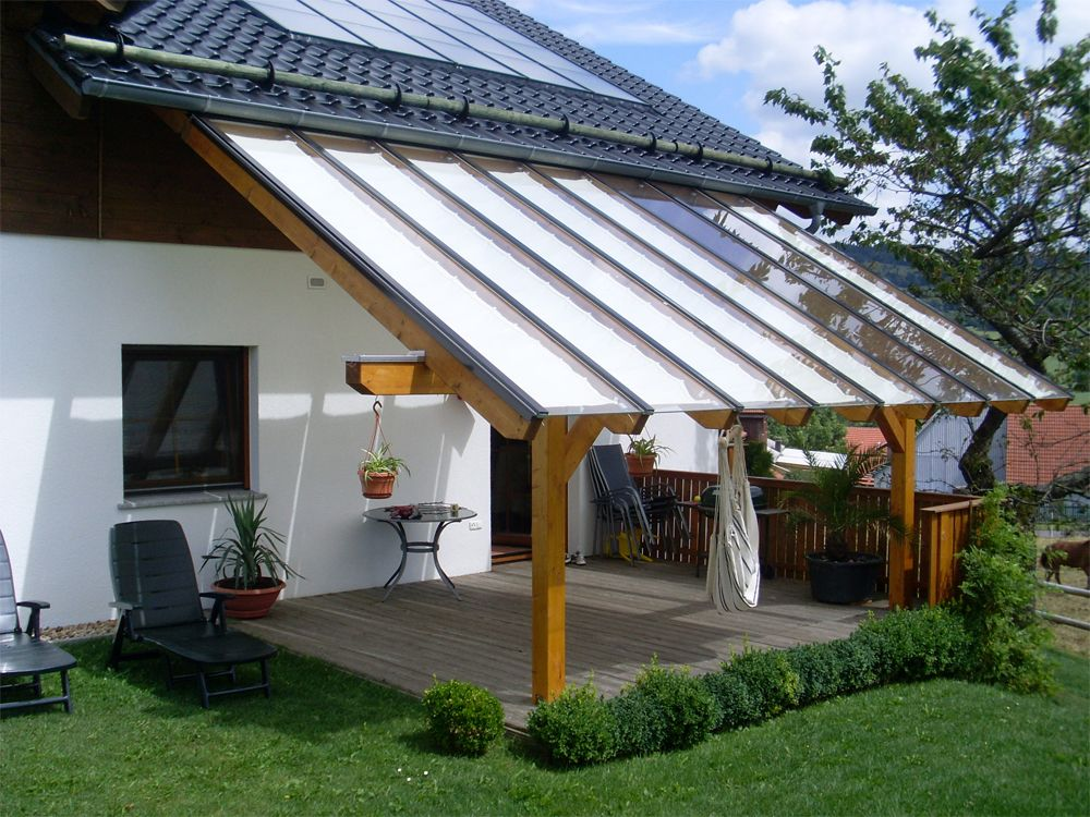 gem tliche stunden auf der terrasse verbringen n tzliche sonnensegel dienen hier als. Black Bedroom Furniture Sets. Home Design Ideas