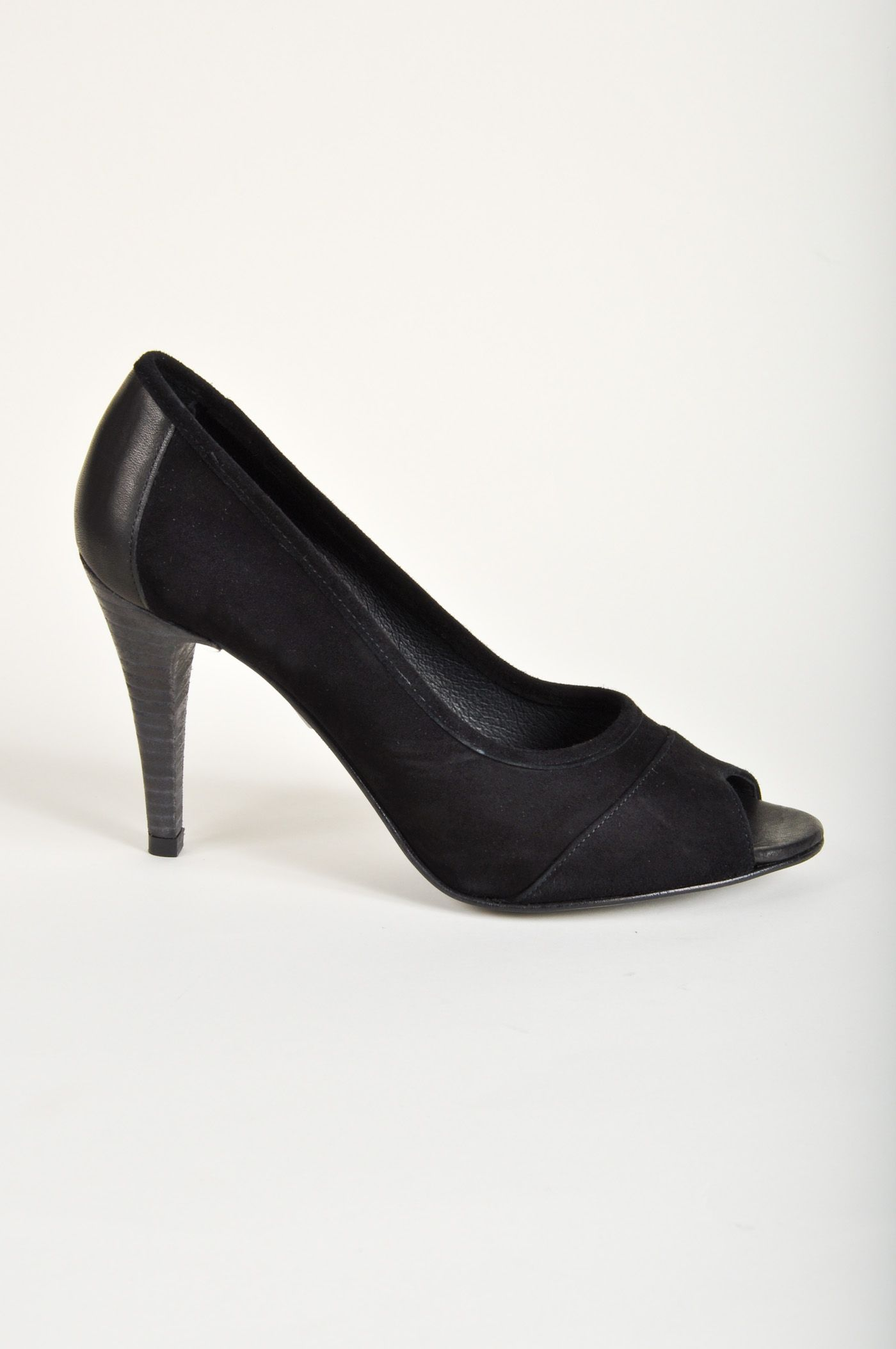 fina högklackade skor