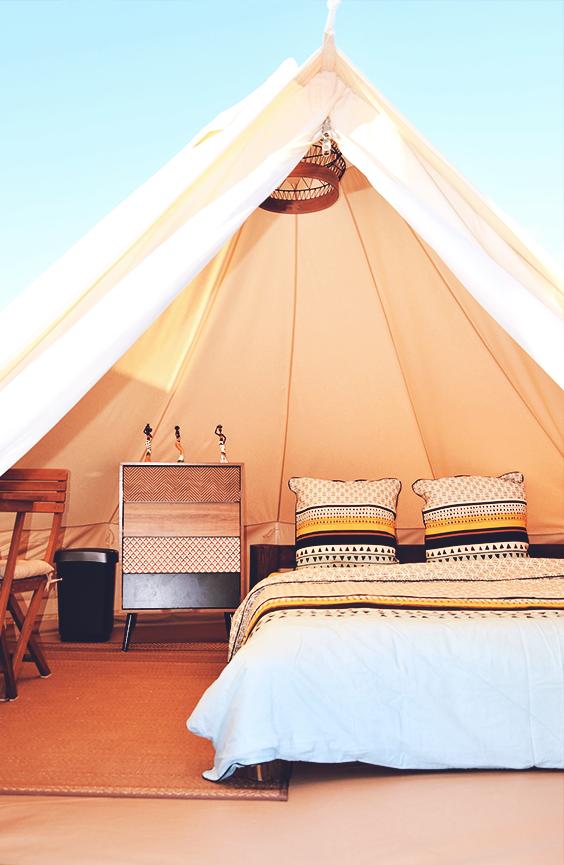 Idée cadeau Noël  séjour insolite dans une tente avec spa en Martinique  Ambiance nature et sauvage dans cette tente installée en Martinique...