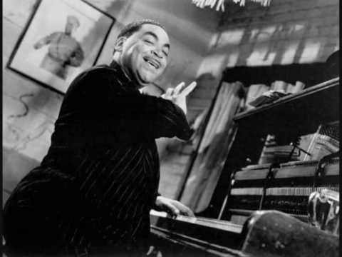 "Fats Waller - ""Ain't Misbehavin'"" (1929) - YouTube"
