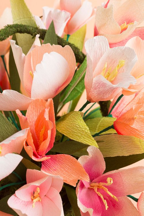 Make a spring centerpiece with tulips
