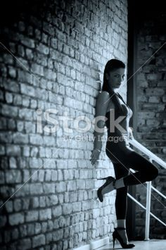 Anime Sitting Pose From Side Leaning Against Wall Google Search