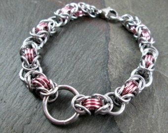 Chainmaille Bracelet Stretchy Chainmail Black Pink by Lunachick