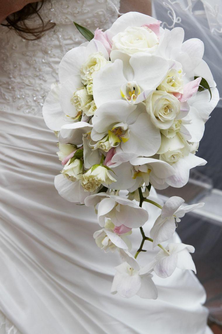 Bouquet Da Sposa Orchidee.Bouquet Sposa Orchidee Tutte Bianche Forma Allungata Dimensioni