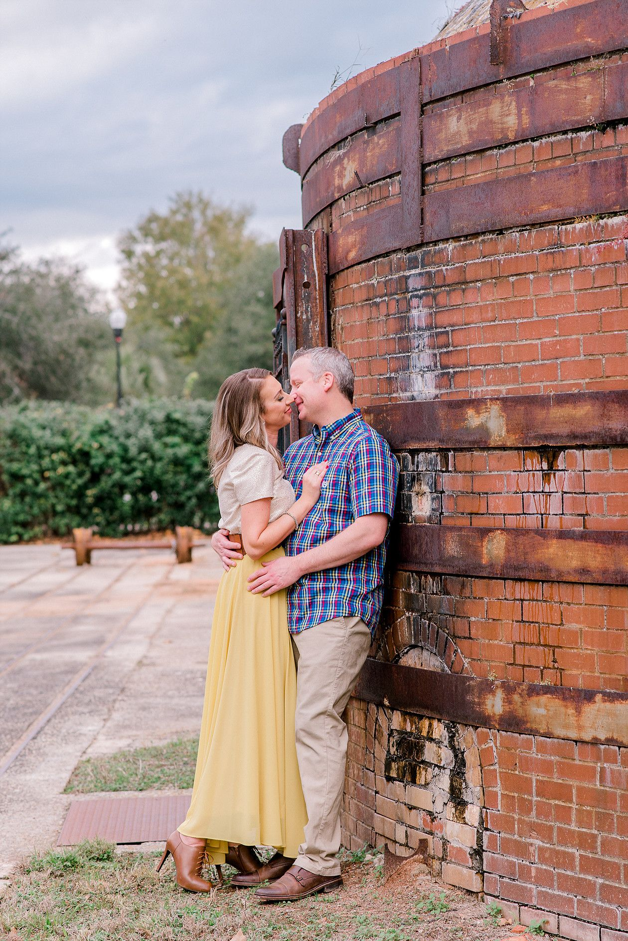 Engagement photo poses greenville photographer