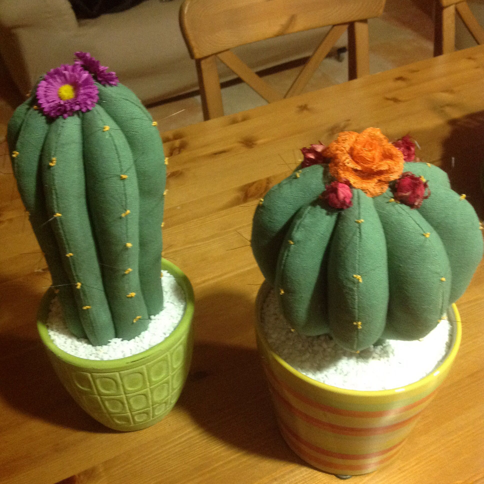 Cactus de tela manualidades pinterest cacti felting - Manualidades de tela ...