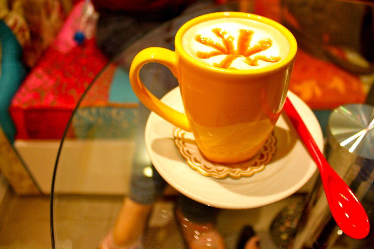 Coffee at a new cupcake shop in Zamalek near the Culture Wheel - nanda ellen photography