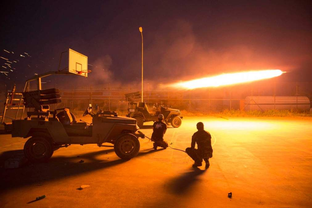8ca6b43b9216a ISIS Set Fire to Oil Fields Near Tikrit Iraqi soldiers and Shia militia  have surrounded the ISIS-held city