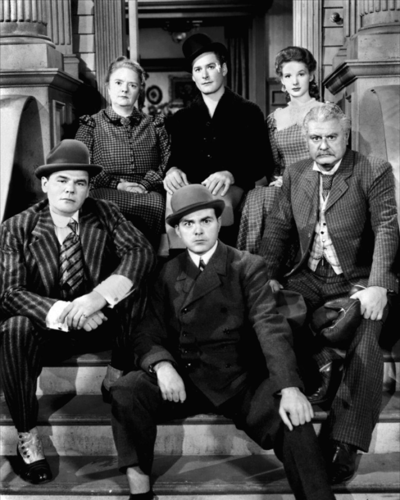 Gentleman Jim :With Alan Hale, Sr. (R), Dorothy Vaughn, Errol Flynn.    Errol flynn, Errol, Handsome actors