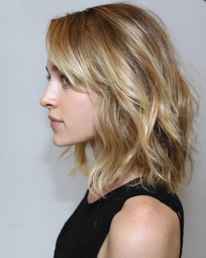 cheveux ondulés blonds - cheveux ondulés : de jolies