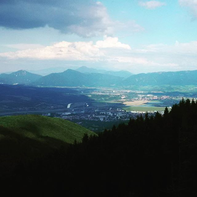 Vistas de Martín desde la Montaña #EuroRoadTrip2016 #Martin #Eslovaquia #Slovakia #places #lugares #Travel #trip #RoadTrip #viajes #Viajar #paisajes #photo #photography #instatravel #instalike #instaplaces #Europa #Europe #relax #followifyoulike #follow #sigueme #sigue by javigourmet. viajes #europe #photography #europa #travel #instatravel #slovakia #eslovaquia #martin #follow #sigue #trip #sigueme #euroroadtrip2016 #photo #instaplaces #instalike #lugares #viajar #followifyoulike #paisajes…