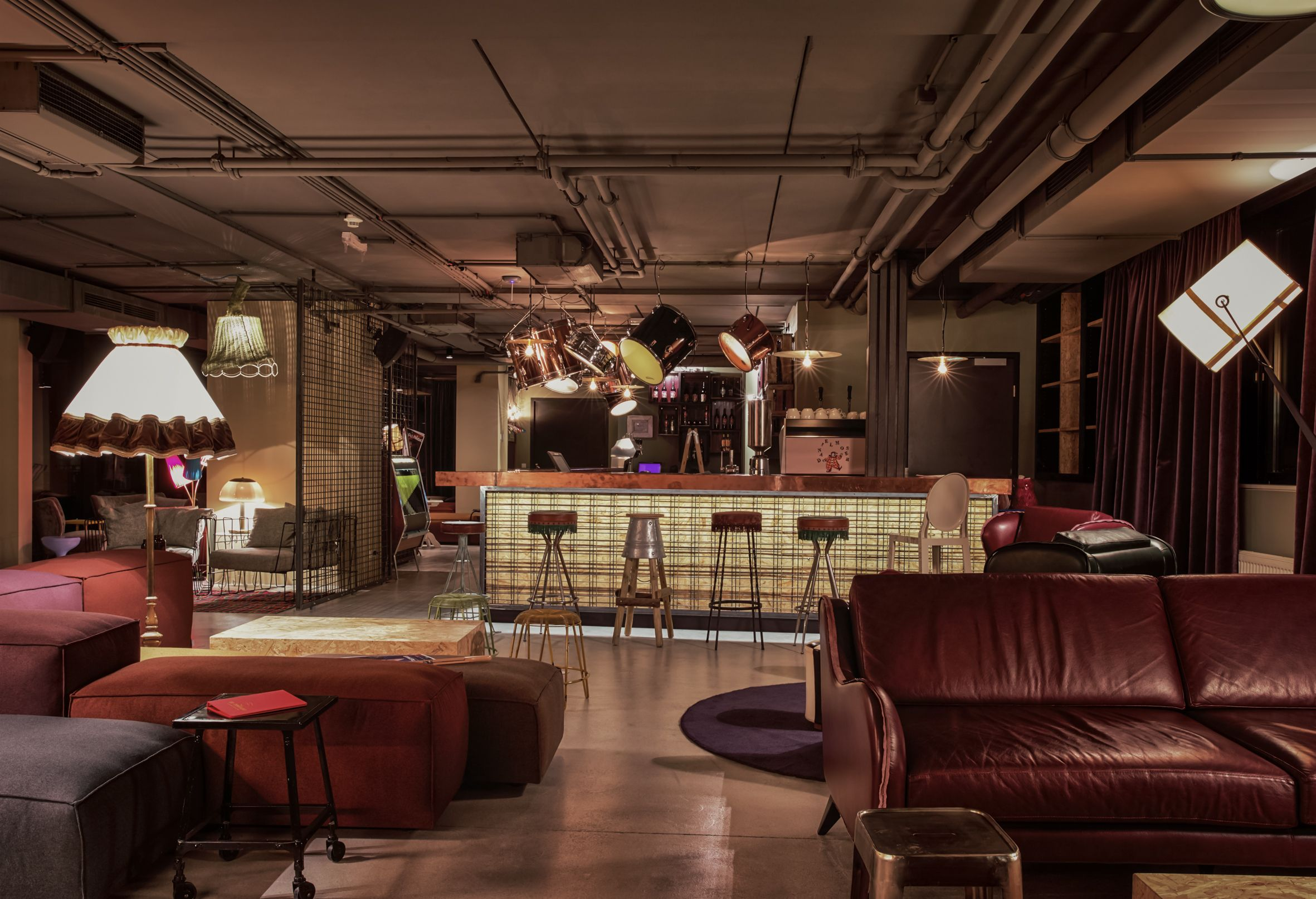 25h hotel dachboden vienna design by dreimeta loft for Wine and design hotel vienna