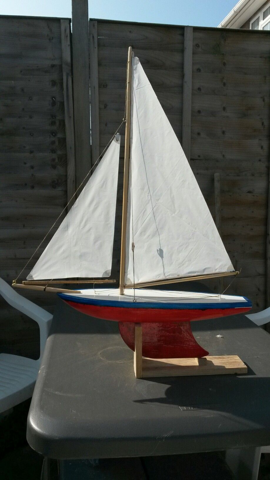 An old Star pond yacht renovated    could not restore to