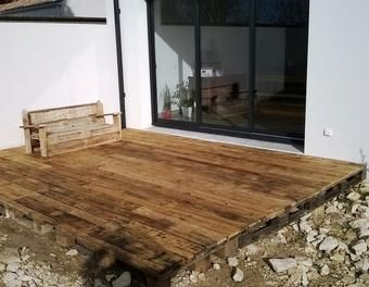 terrasse salon de jardin en palette palette terrasse meubles palettes salon de jardin salon de. Black Bedroom Furniture Sets. Home Design Ideas