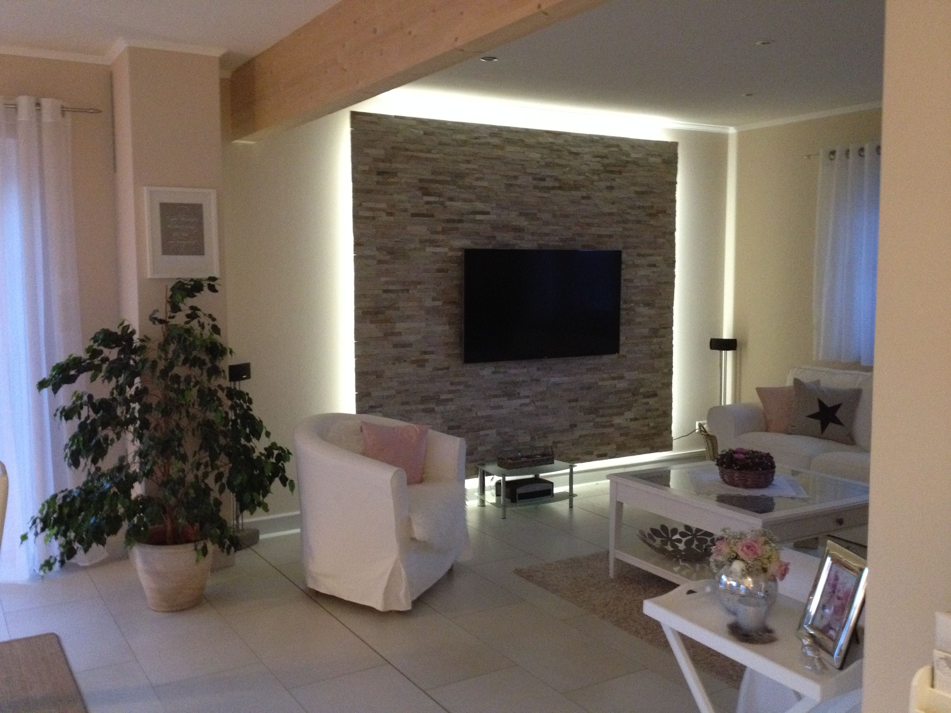 Unsere Fertige Tv Wand Mit Beleuchtung Steinwand Wohnzimmer Wohnzimmer Inspiration Wohnzimmer Ideen Modern