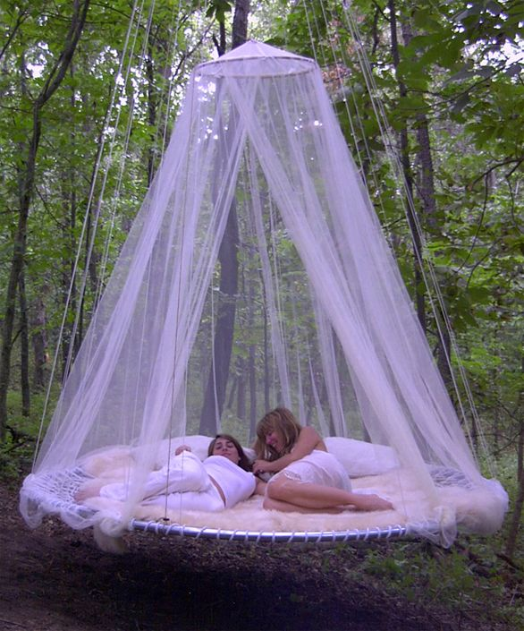 Outdoor Canopy Bed with Girls - Hanging in Tree | Lake house ideas ...