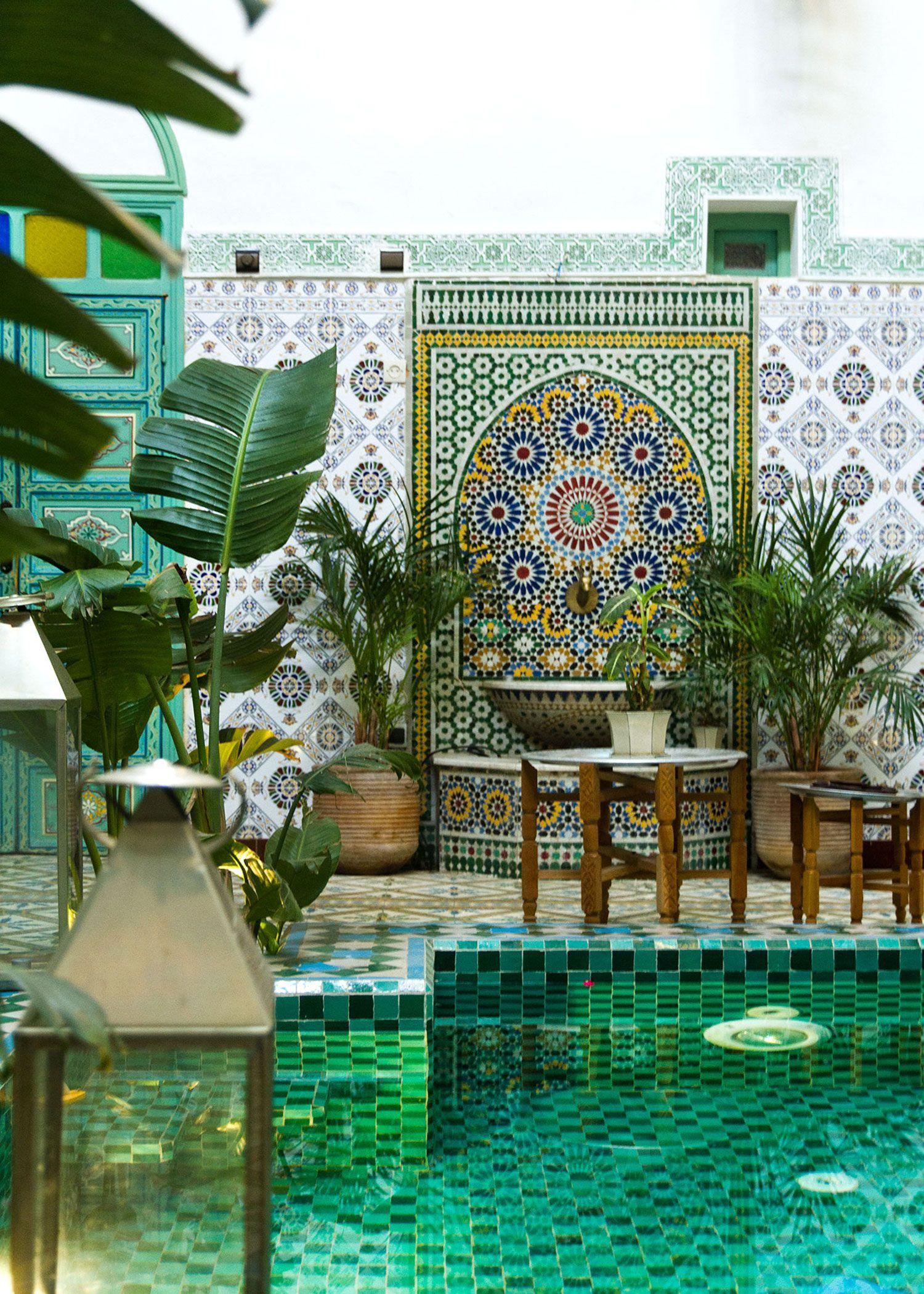 Im Schatten Kuhler Oasen Inspiration Garten Templumx Blog Idee Einrichtung Dekoration Marrakesch Marokkanisches Design Marokkanische Inneneinrichtung