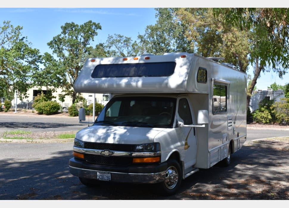Class C Motor Home Rental In Sacramento Ca Rentals Starting At 100 Night In 2020 Rv Rental Four Winds Rv Dry Camping