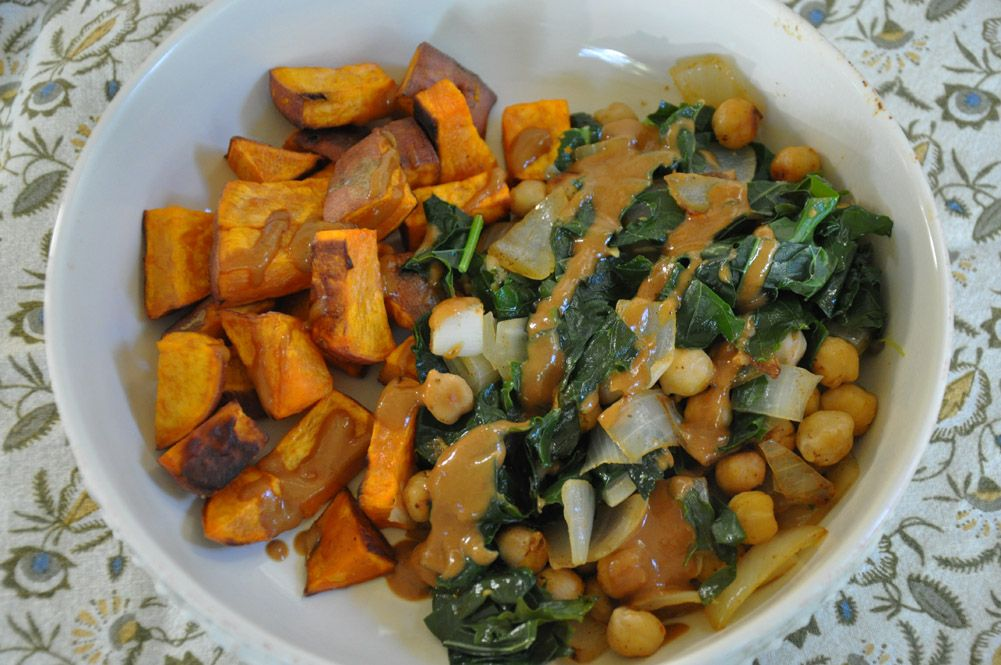 Meatless Monday Smoky Chickpeas with Kale (With images