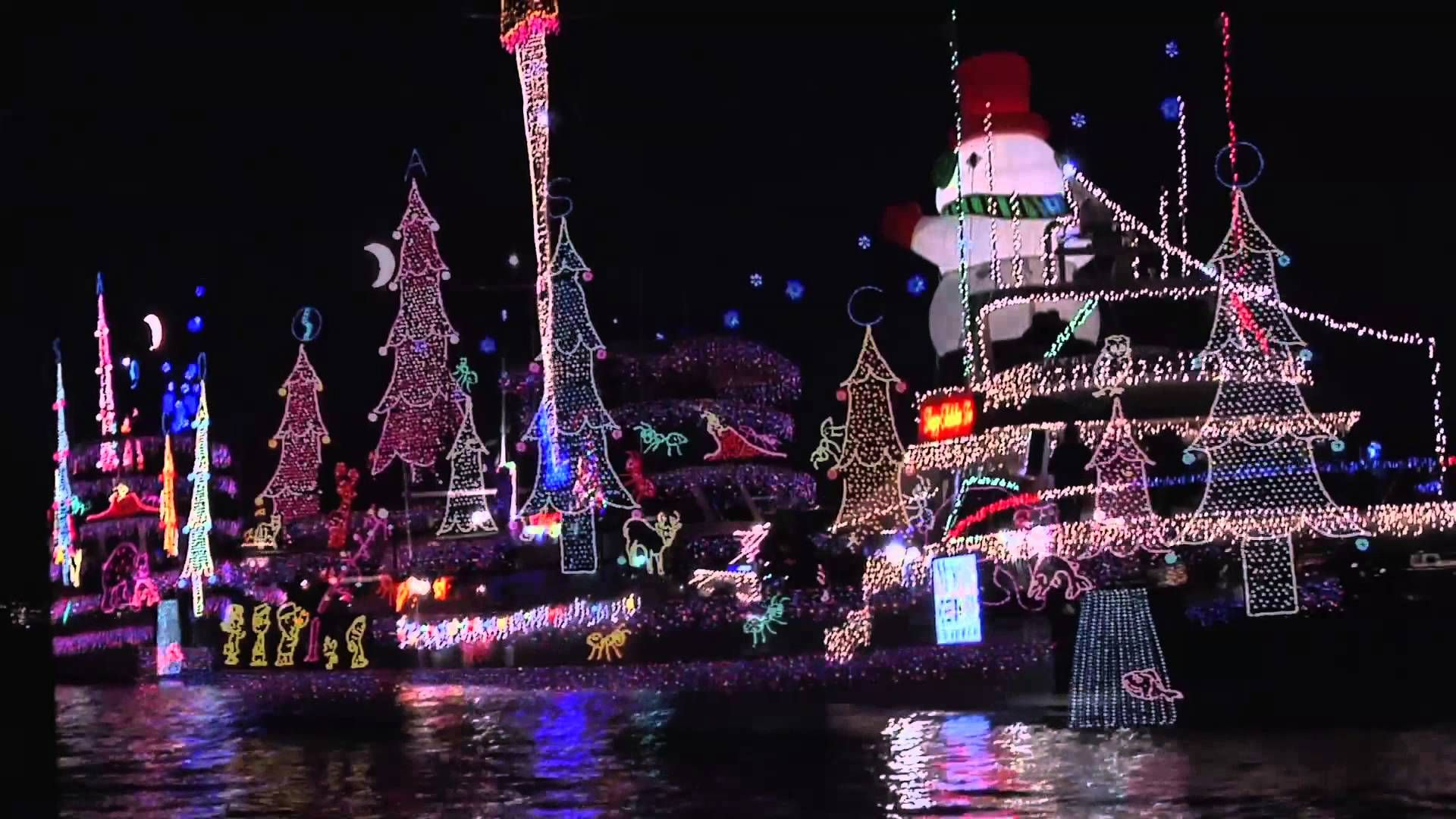 See Orange County Houses And Boats With Over The Top Christmas Displays Best Christmas Light Displays Christmas Light Displays Christmas Display