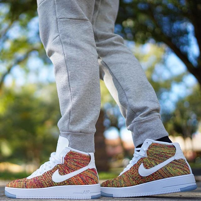 Nike Air Force 1 High Flyknit