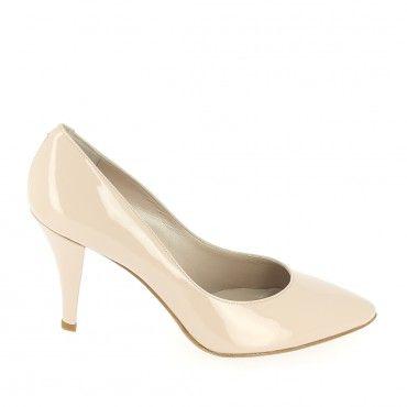 f357a4283 Chaussures mariée. Escarpins en cuir vernis nude, talon 8 cm ...