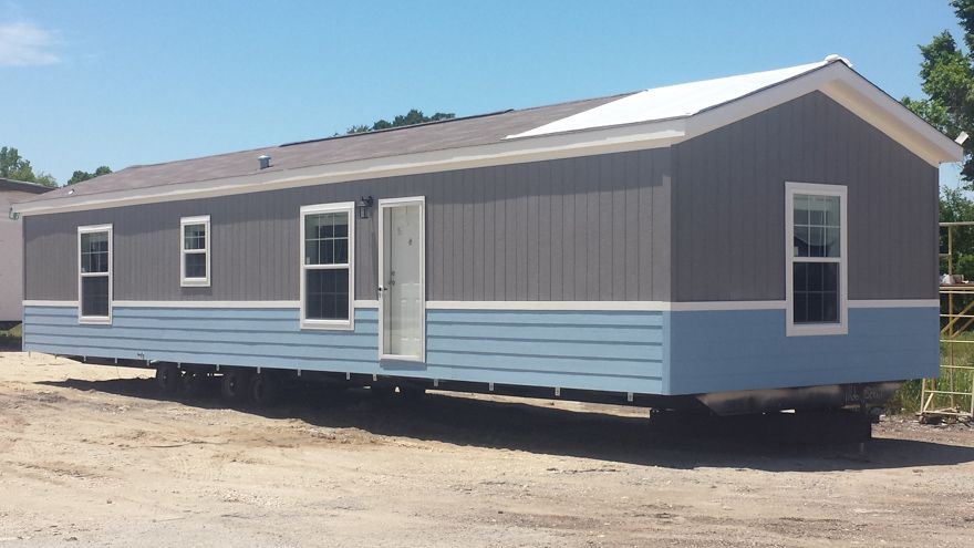 Bantam 16 X 56 849 Sqft Mobile Home Our Athens Texas Sales Center Delivers Finely Built Mobile Homes To Mobile Homes For Sale Used Mobile Homes Home Center