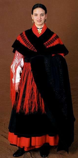 1cf35748f Un nuevo libro sobre el traje gallego recoge los orígenes de los ...