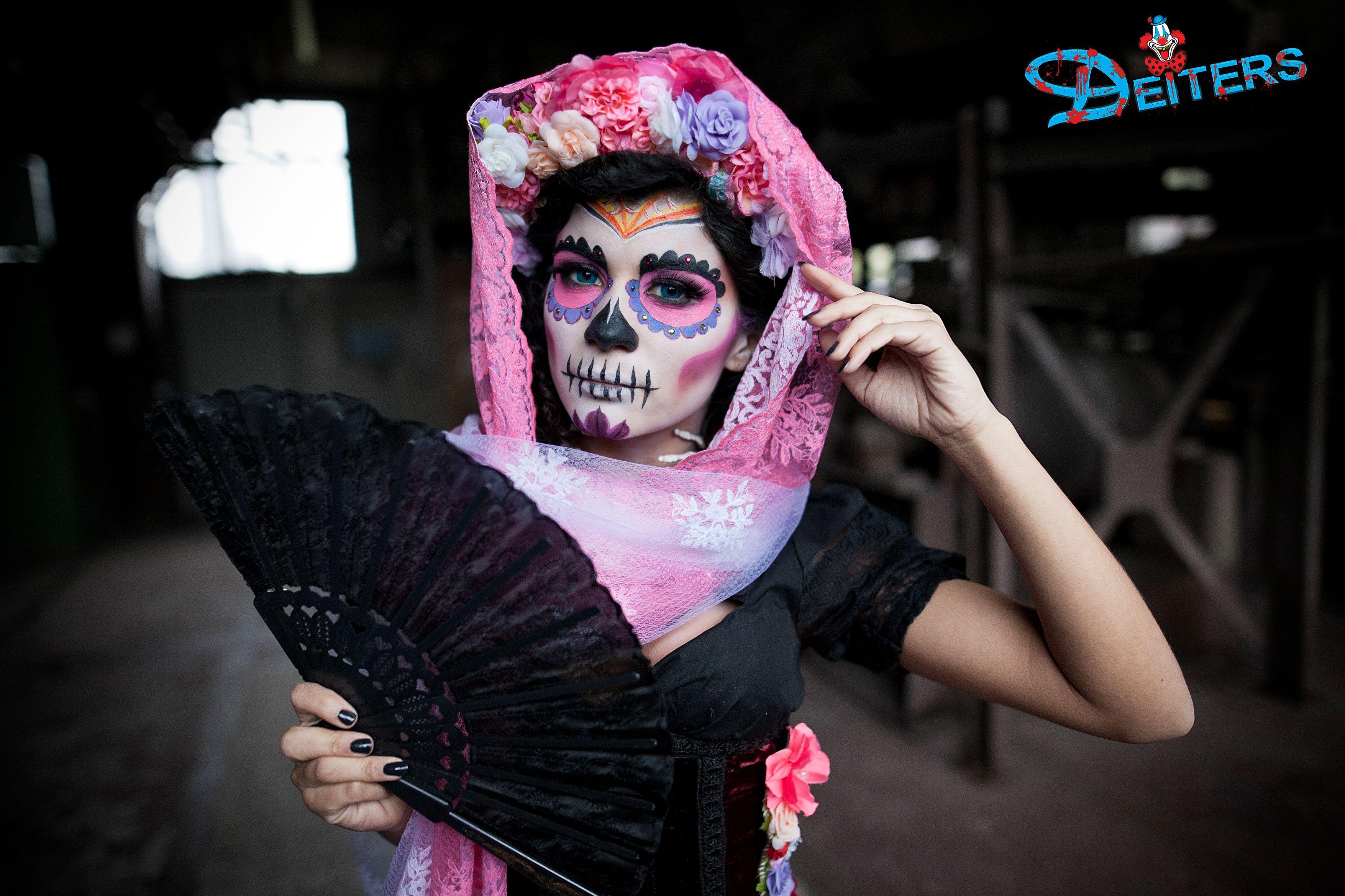 halloween pink behorror makeup kostüme flowers