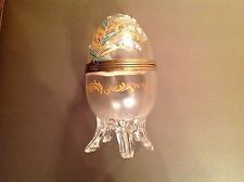 Antique HAND PAINTED GLASS EGG BOX w/ HINGED LID - 1900-1940