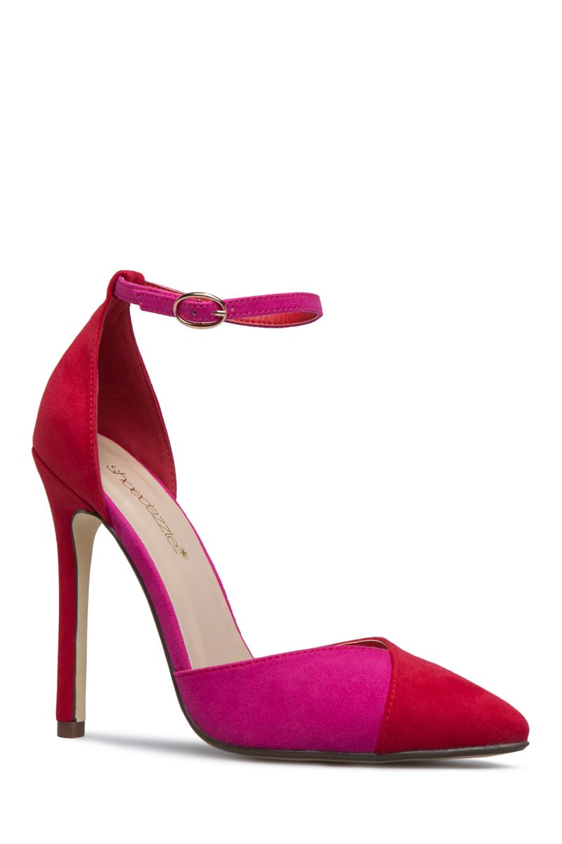 75eae53765a8 A basic pump born to be worn at work with its pointed-toe silhouette and  colorblocked details.