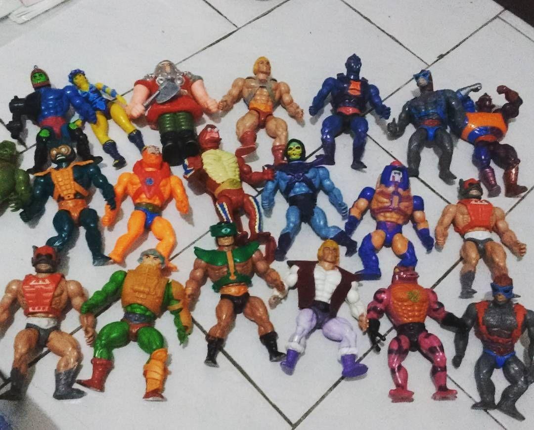 Minha coleção do He-Man. Alguns estão comigo desde a infância outros comprei há pouco tempo. O Kobra Khan está sem as pernas preciso arrumar os elásticos. #brinquedos #infancia #retro #nostalgia #heman #mastersoftheuniverse #motu #vintagetoys #vintage #brinquedo #brinquedosantigos #brinquedosestrela #mattel #anos80 #80stoys #boneco #bonecos by felipevemeira