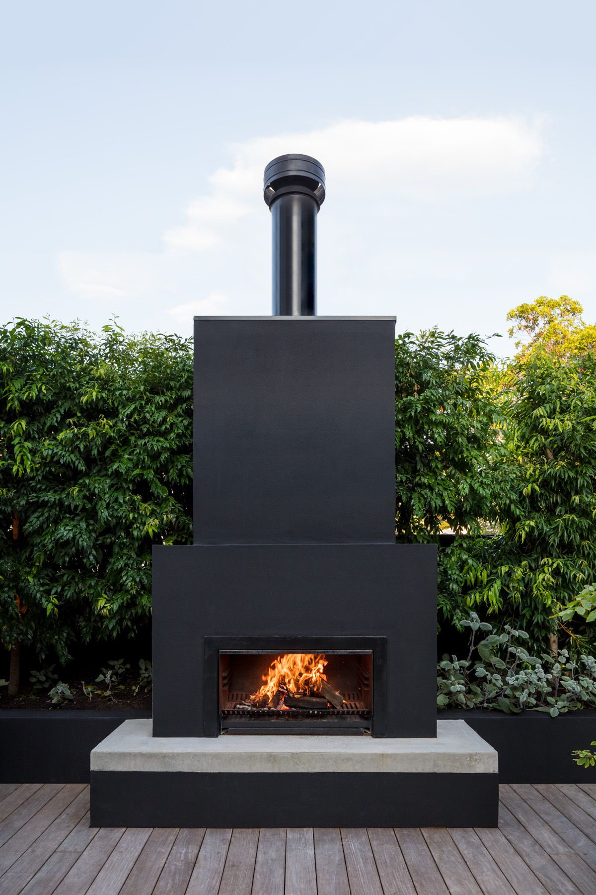 Outdoor Fireplace. Black. This Vaucluse Residential