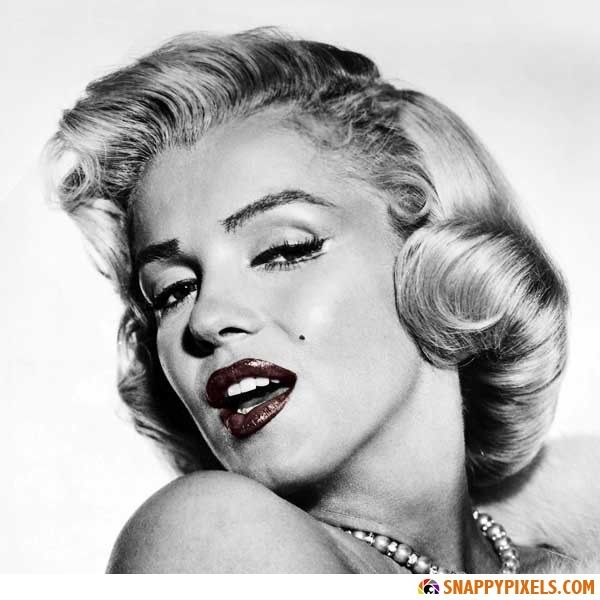 Marilyn Monroe Black And White Pictures With Red Lips Marilyn