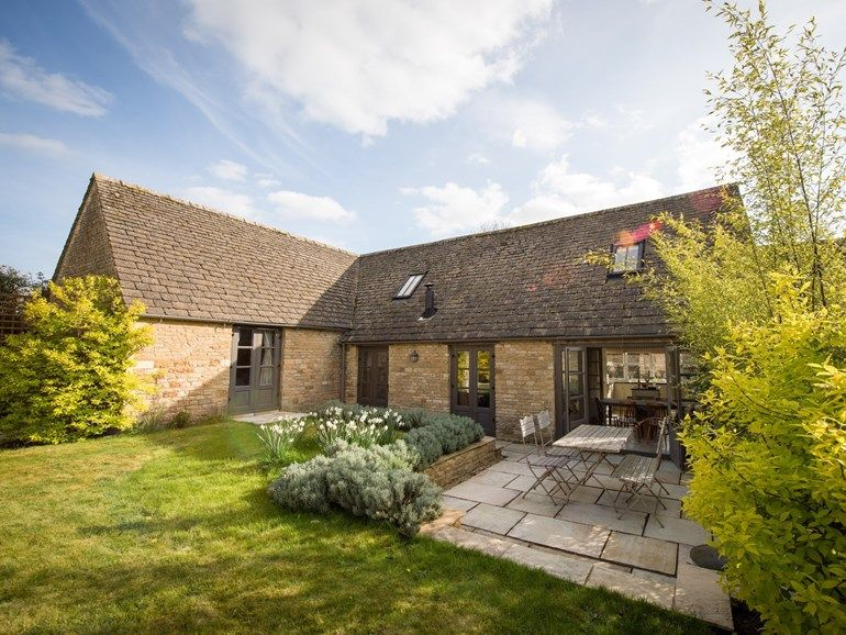 A Well Appointed Holiday Home Holiday Cottages Uk Dog Friendly Holiday Cottages Holiday Cottage