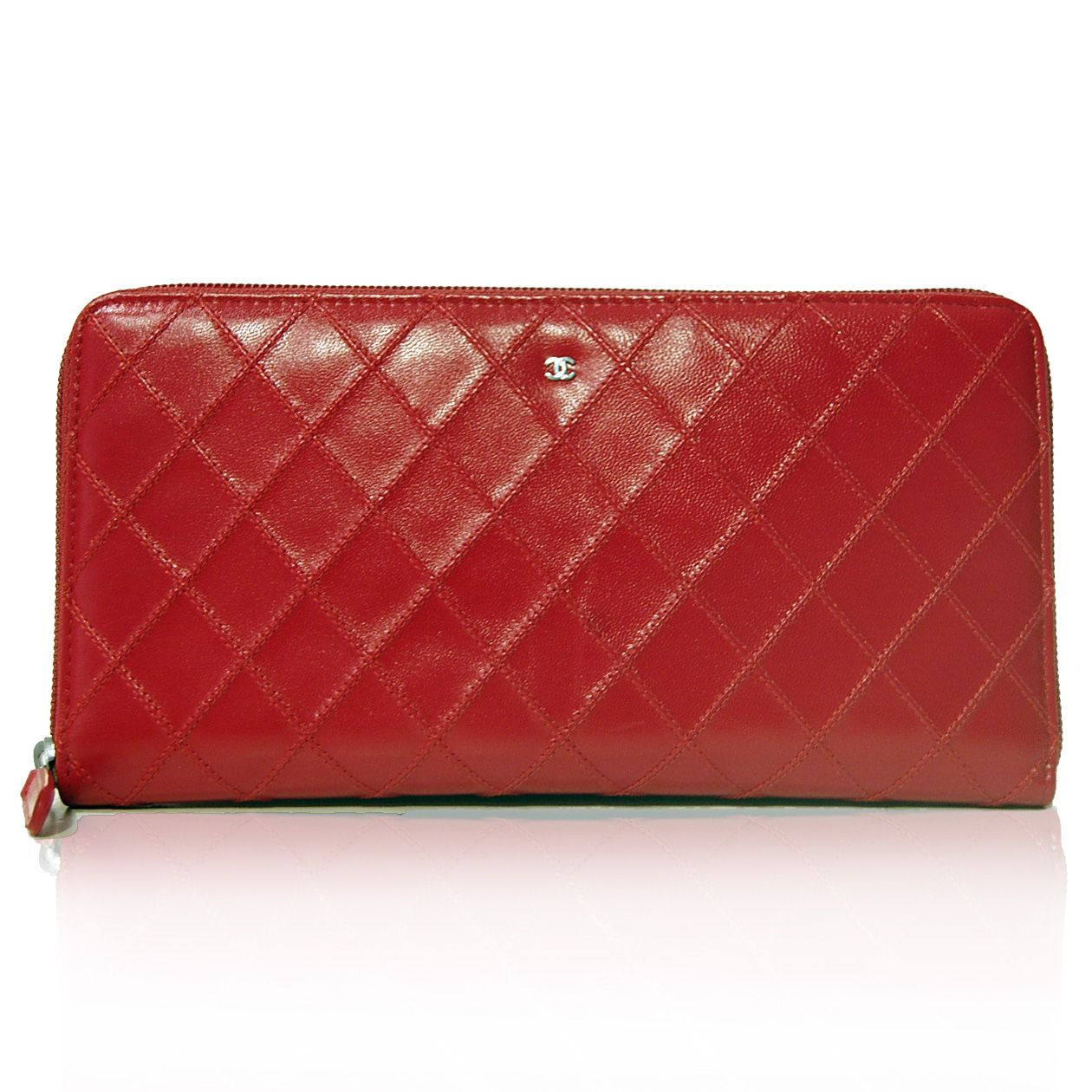 Chanel Red Large Zip Wallet http://www.consignofthetimes.com/product_details.asp?galleryid=8930#.U6H2m5RdWBU