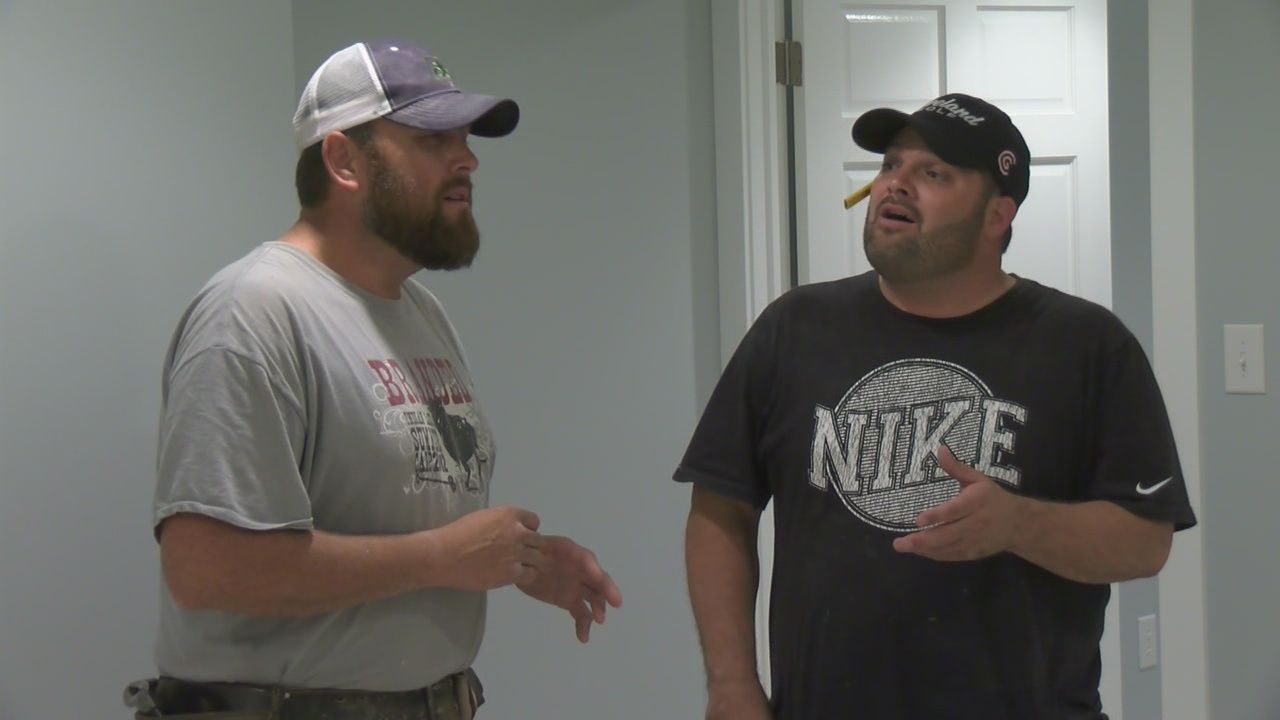They're not professional singers, but two contractors from central Indiana have stumbled upon a large audience for their music.