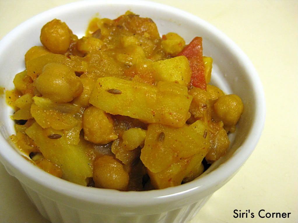 Cooking With Siri: Chickpeas and Potato curry and HC update...