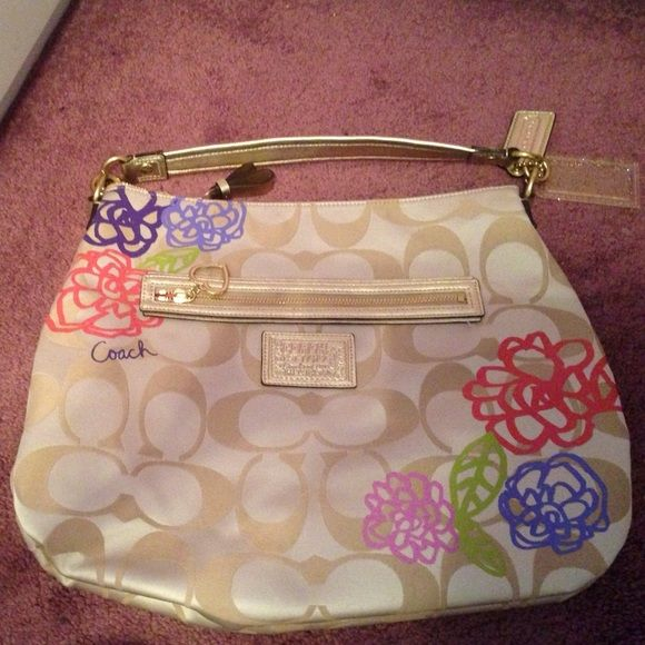 Coach bag Large Coach bag with removable strap. Never before used. Coach Bags Shoulder Bags
