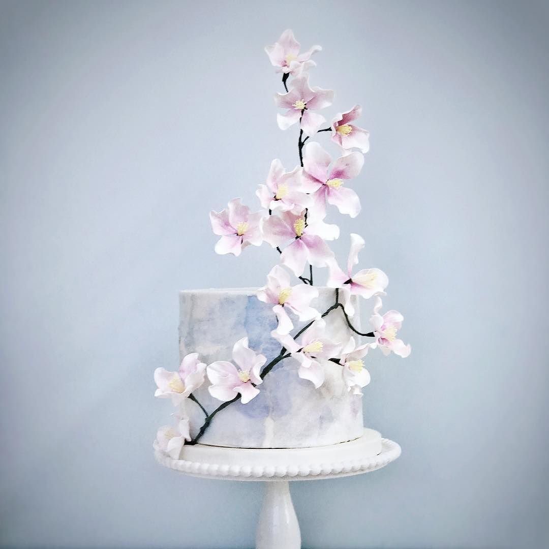 Another textured design with climbing blossoms beautiful cake with