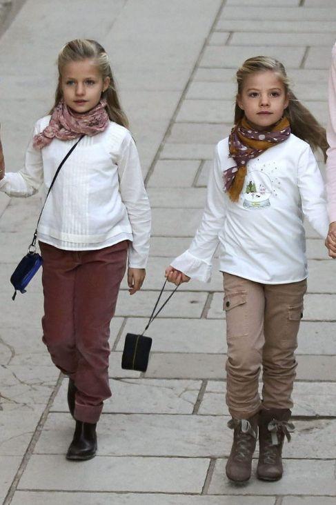 2013 Royal Sisters Princess Leonor Of Spain And Princess Sofia Of