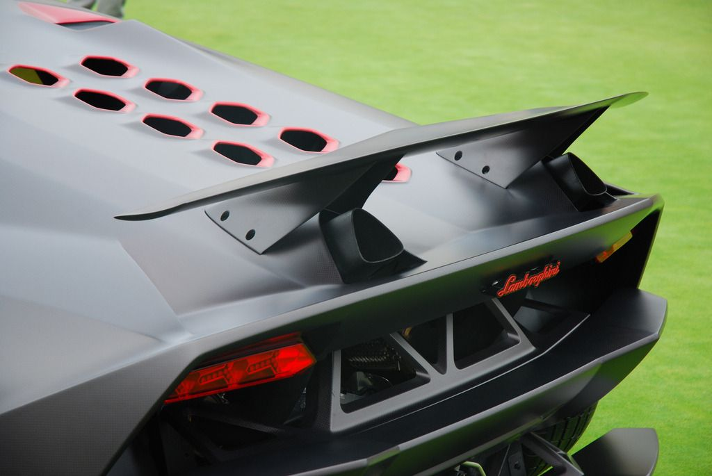 Hidden outlet Starring: Lamborghini Sesto Elemento by karma17 #design #lamborghinisestoelemento