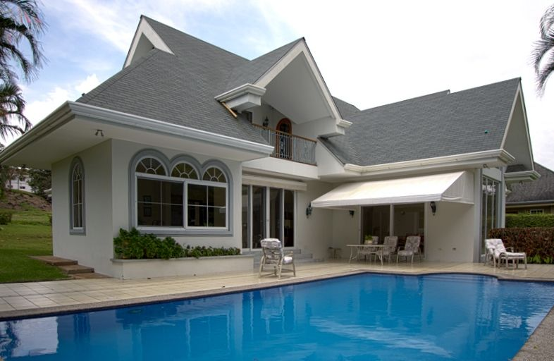 Pool House at #Golf & CC Gated Comm. - Espléndida Casa c/Piscina #CRC (MD2627380) -  #House for Sale in Alajuela, Alajuela, Costa Rica - #Alajuela, #CostaRica. More Properties on www.mondinion.com.