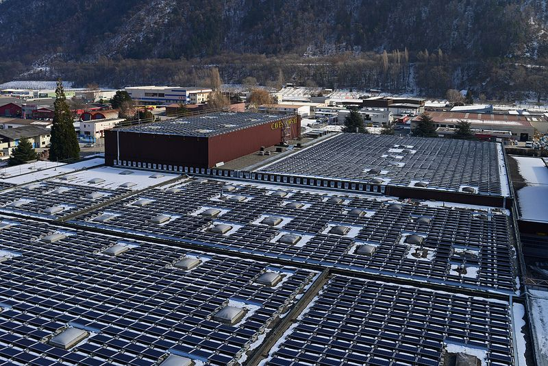 Drittgrosste Schweizer Photovoltaik Anlage Solar Panels Solar Paneling