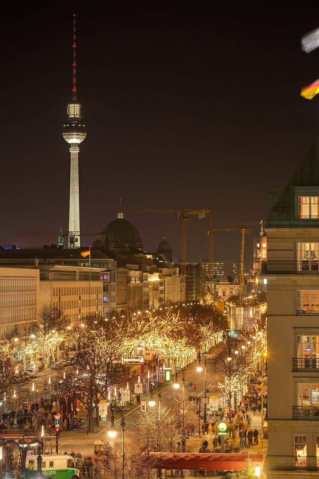 Unter Den Linden Unter Den Linden Boulevard 2 Berlin Berlin Today Berlin Christmas
