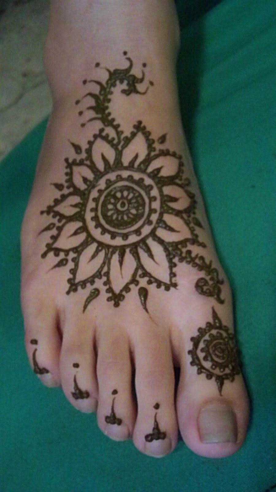 Simple Henna Foot Tattoo Designs: Free Hand Mehndi News Foot Design For Sangeet